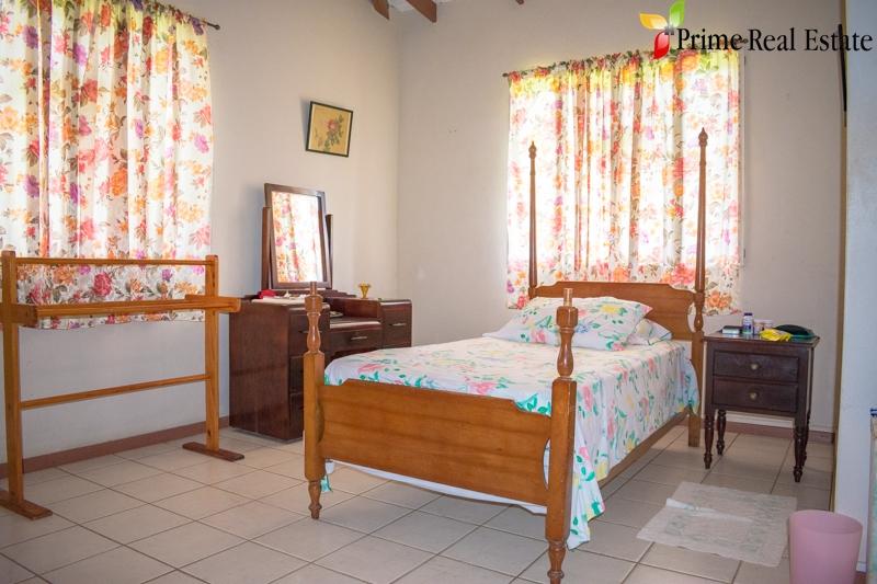 Property For Sale: Hidden HavenProperty For Sale Golden Vale RefPHGVP340